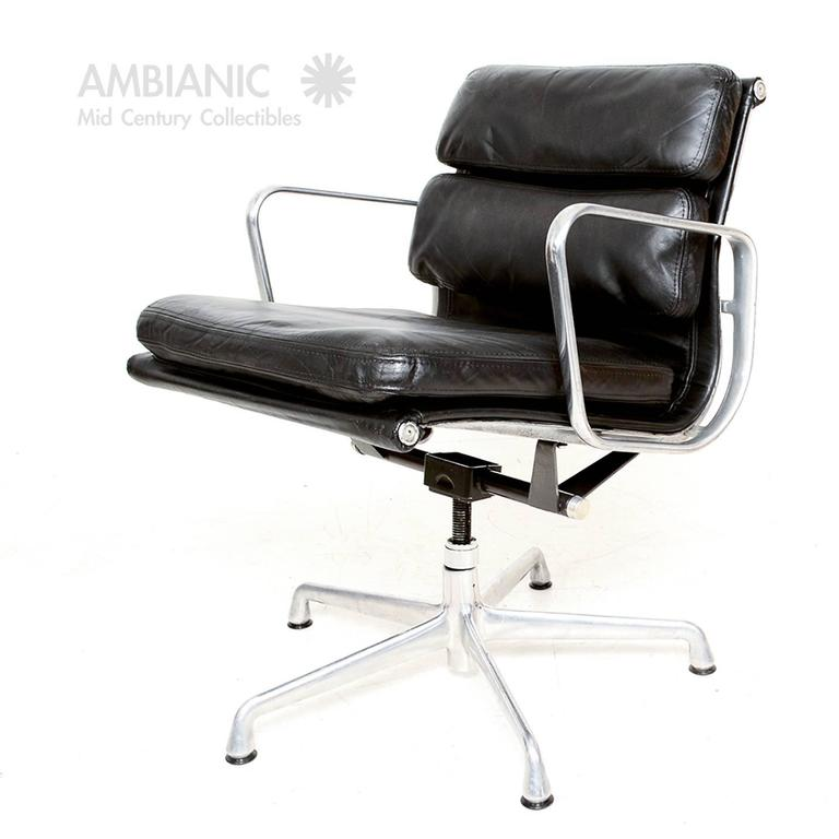 Mid Century Modern Mid Century Modern Herman Miller Eames Soft Pad Aluminum  Group Chair For