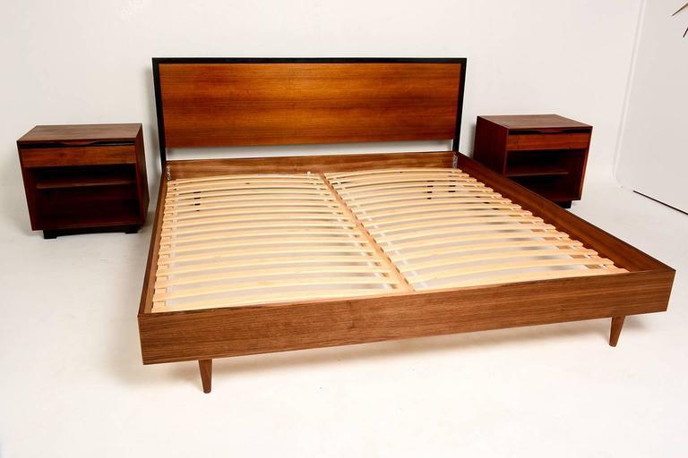 Mid Century Modern Walnut King Size Platform Bed At 1stdibs