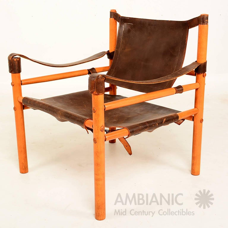 Mid Century Modern Pair Of Safari Chairs Leather And Wood For Sale At 1stdibs