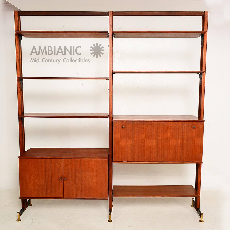 mid century modern italian wall unit for sale at 1stdibs. Black Bedroom Furniture Sets. Home Design Ideas