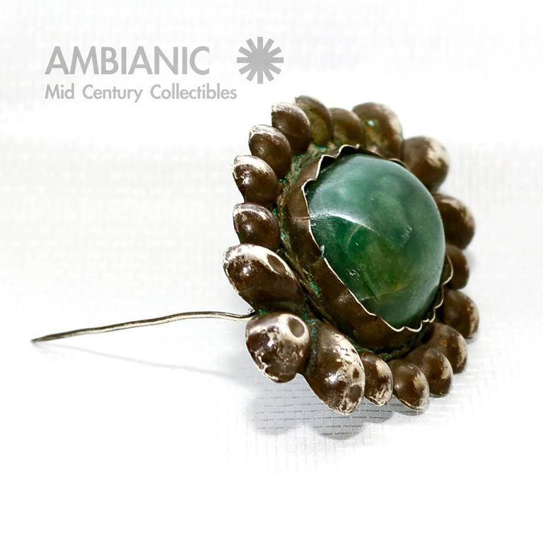 For your consideration a rare William Spratling brooch sterling silver with Mexican Cabochon jade.  Original vintage patina present.  Stamped on the back.