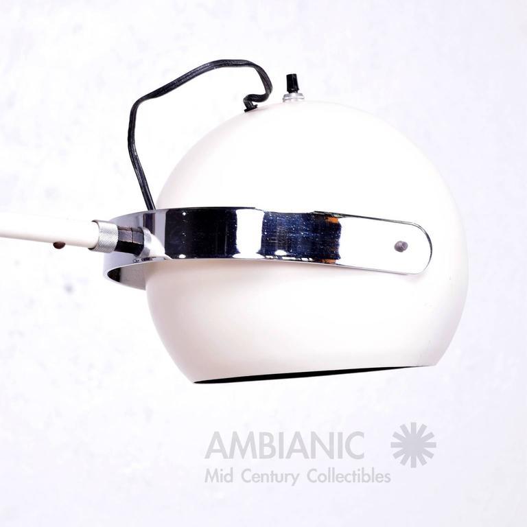 Mid-Century Modern Robert Sonneman White and Chrome Floor Lamp For Sale