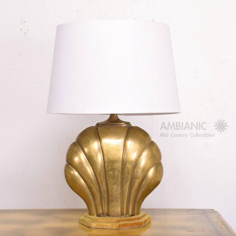Hollywood regency sea shell table lamp in brass for sale at 1stdibs for your consideration a vintage or antique table lamp in the shape of a sea shell greentooth Gallery