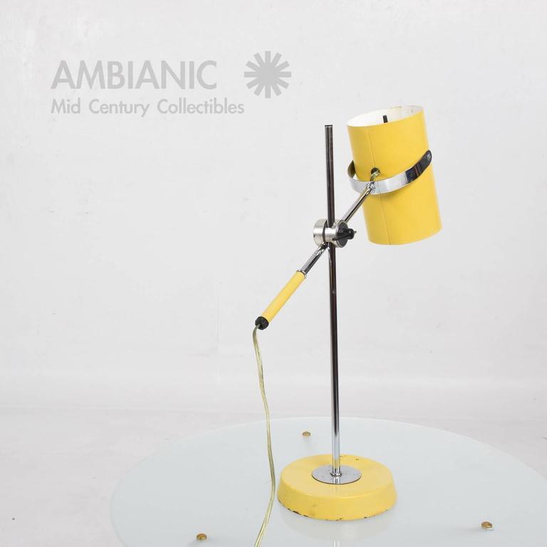 Mid-Century Modern Yellow Table Lamp 3