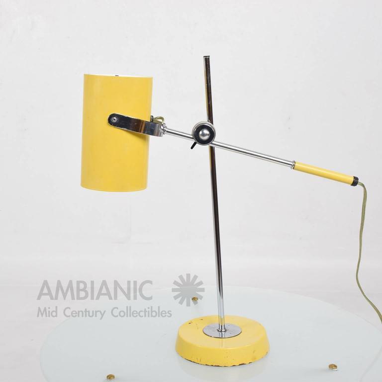 Mid-Century Modern Yellow Table Lamp 7