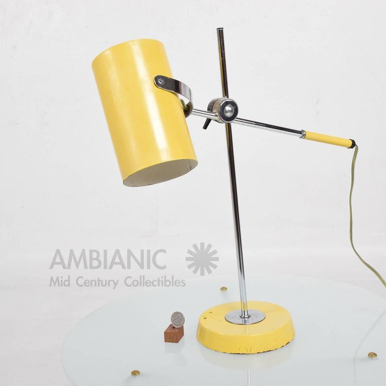 Mid-Century Modern Yellow Table Lamp 5