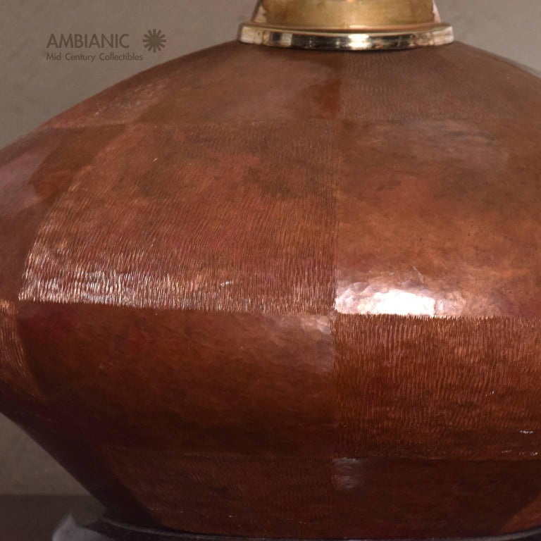 Mexican Mid-Century Modern Table Lamp in Copper and Brass For Sale