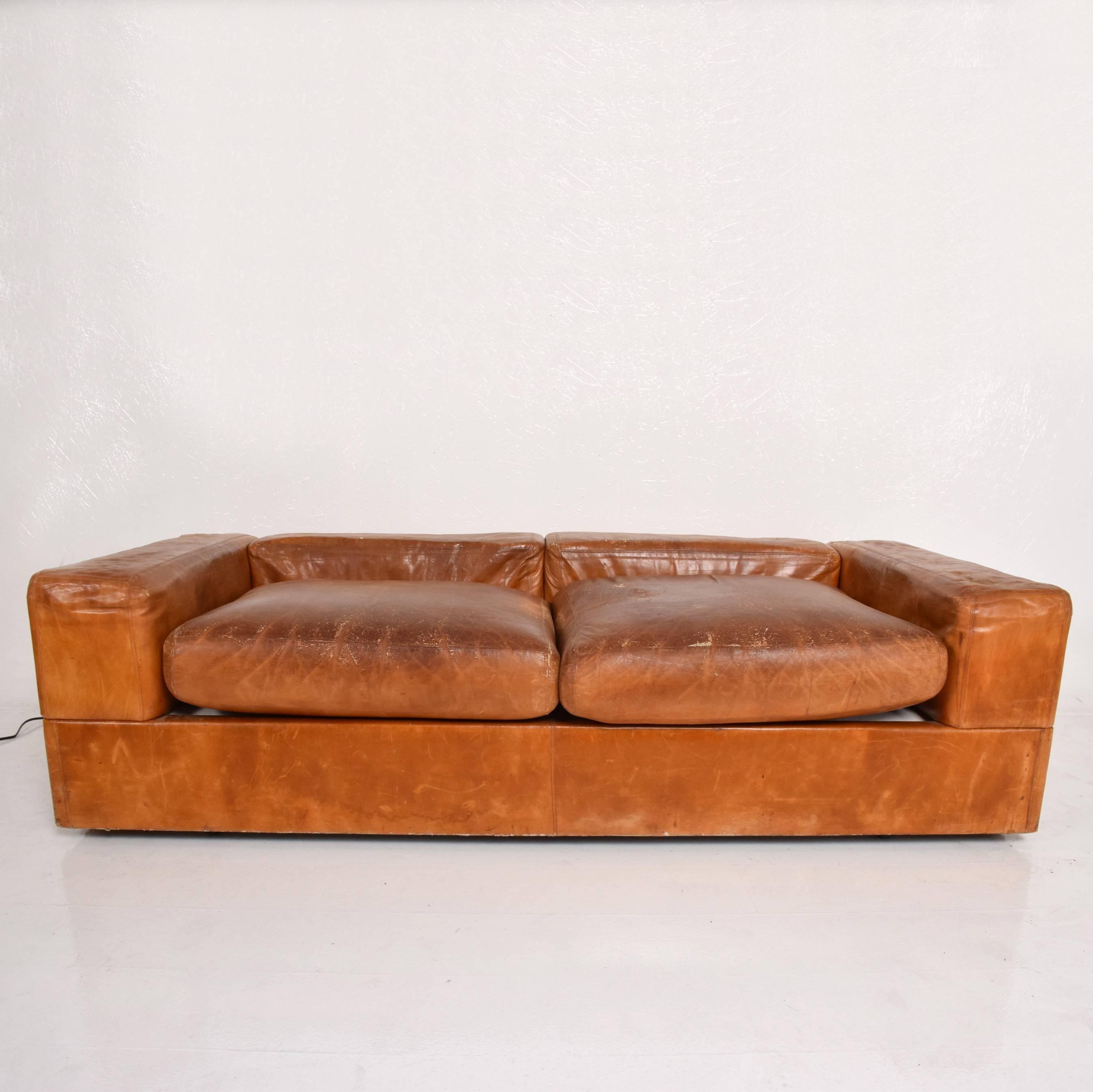 Genial Mid Century Modern Italian Leather Sofa Bed By Tito Agnolli