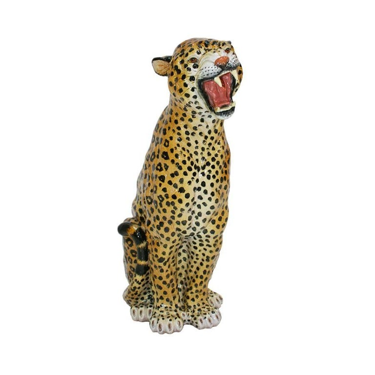 Leopard sculpture made by hand in terracotta, policromado and enameled. Unique piece, France 40 years.