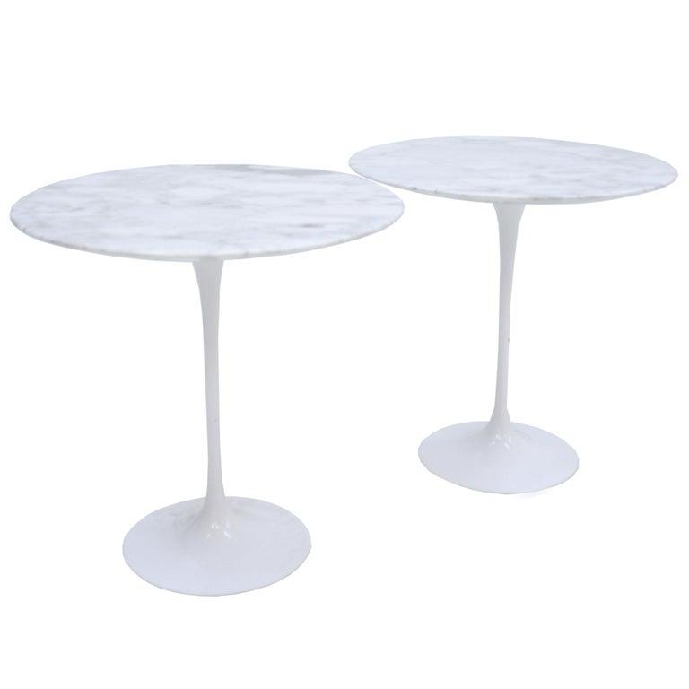 "Pair of Coffee Tables Model ""Tulip"" by Eero Saarinen Edited by Knoll For Sale"