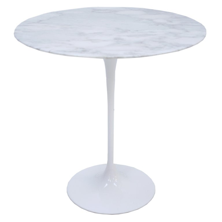 Pair of coffee tables model