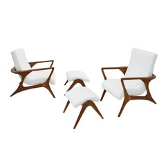 Vladimir Kagan Pair of Wood and Cotton Armchairs with Footstool, EEUU 1965