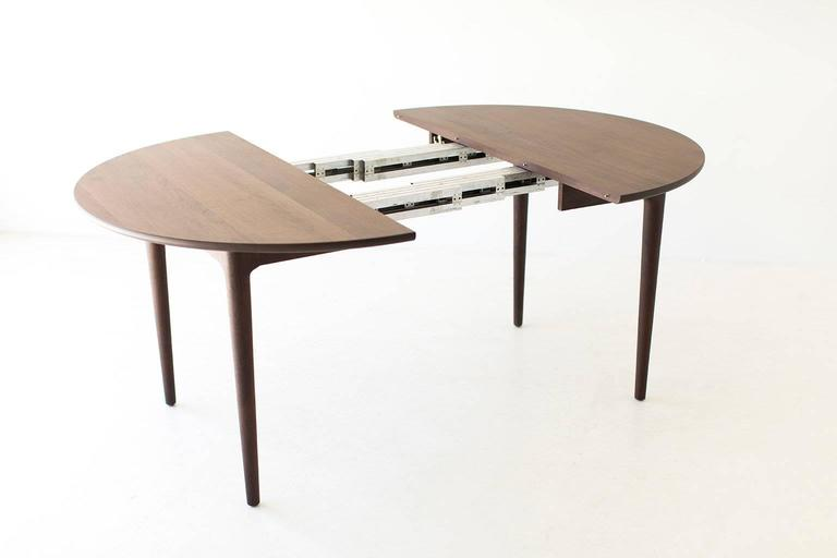 Lawrence Peabody Dining Table P 1707, Craft Associates Furniture In  Excellent Condition For Sale