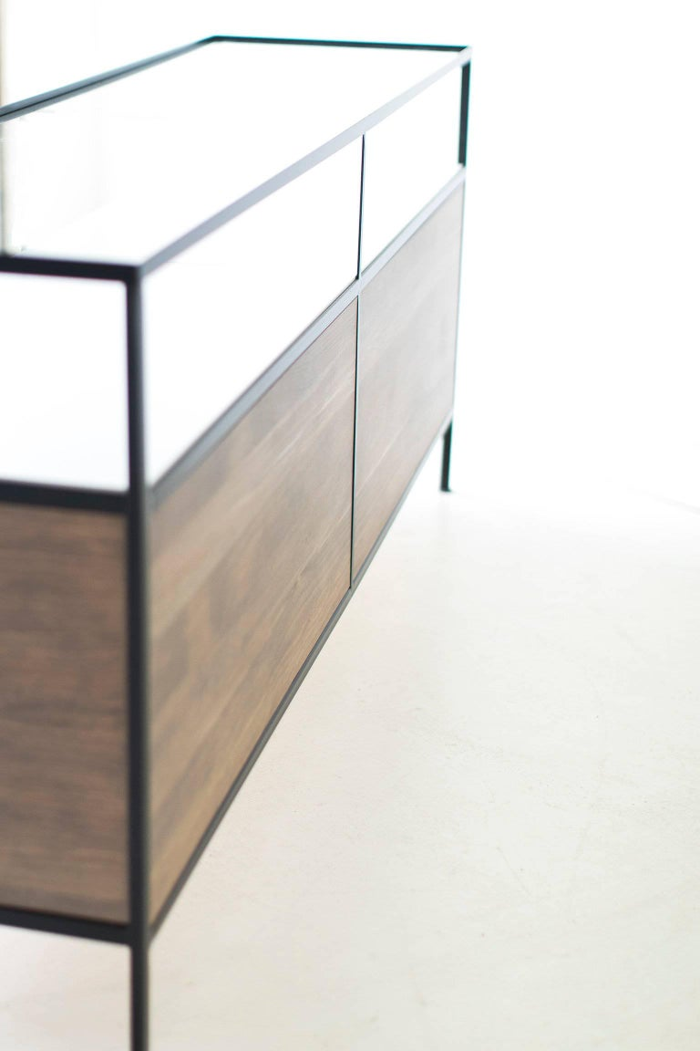 Modern Iron Credenza In Excellent Condition For Sale In Oak Harbor, OH