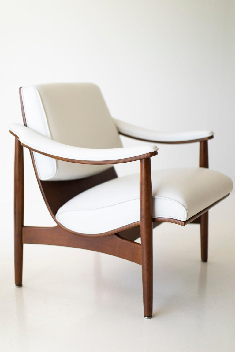 Walnut Modern Thonet Lounge Chairs For Sale