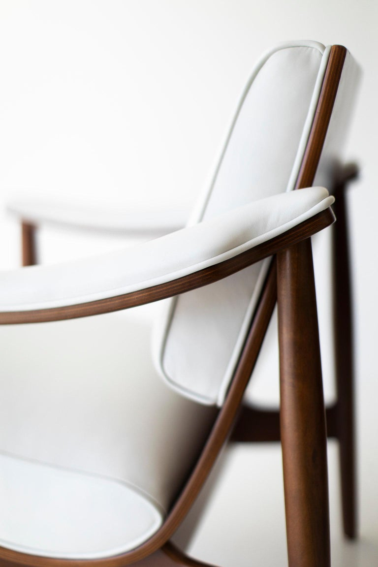 Modern Thonet Lounge Chairs For Sale 1