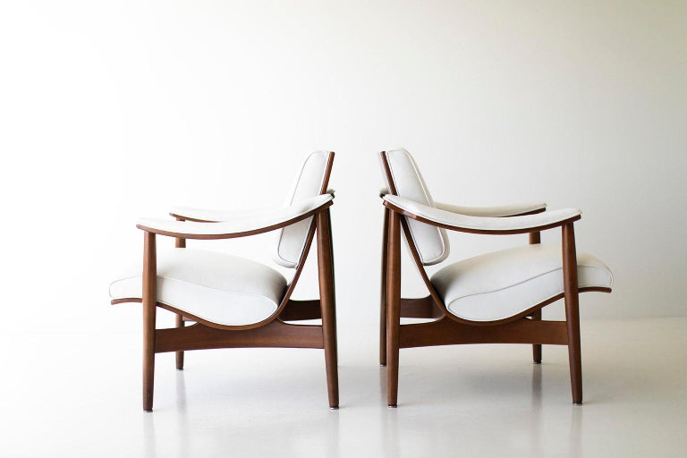 Modern Thonet Lounge Chairs For Sale 2