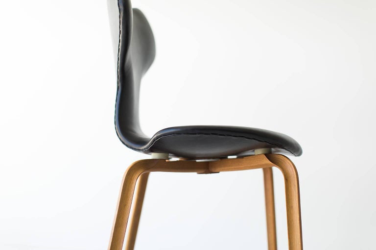 Designer: Arne Jacobsen. 