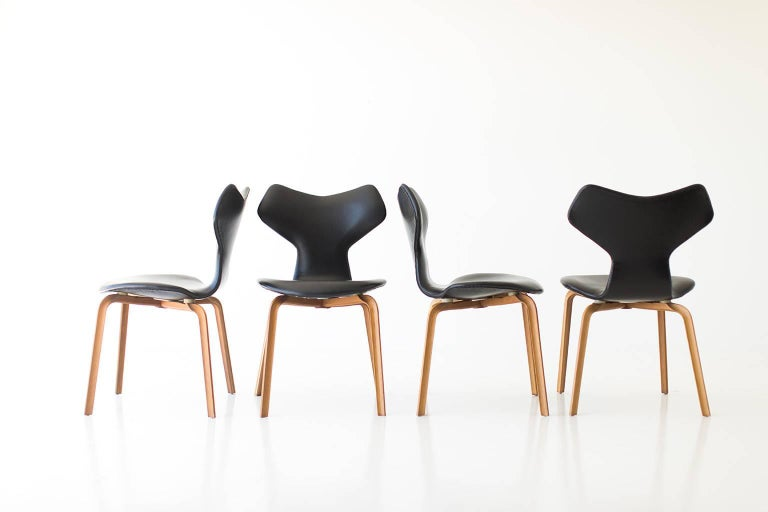 Arne Jacobsen Leather Grand Prix Dining Chairs for Fritz Hansen For Sale 2