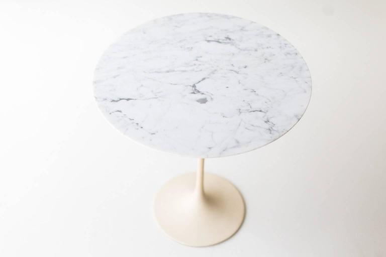 Mid Century Modern Eero Saarinen Marble Side Table For Knoll For Sale