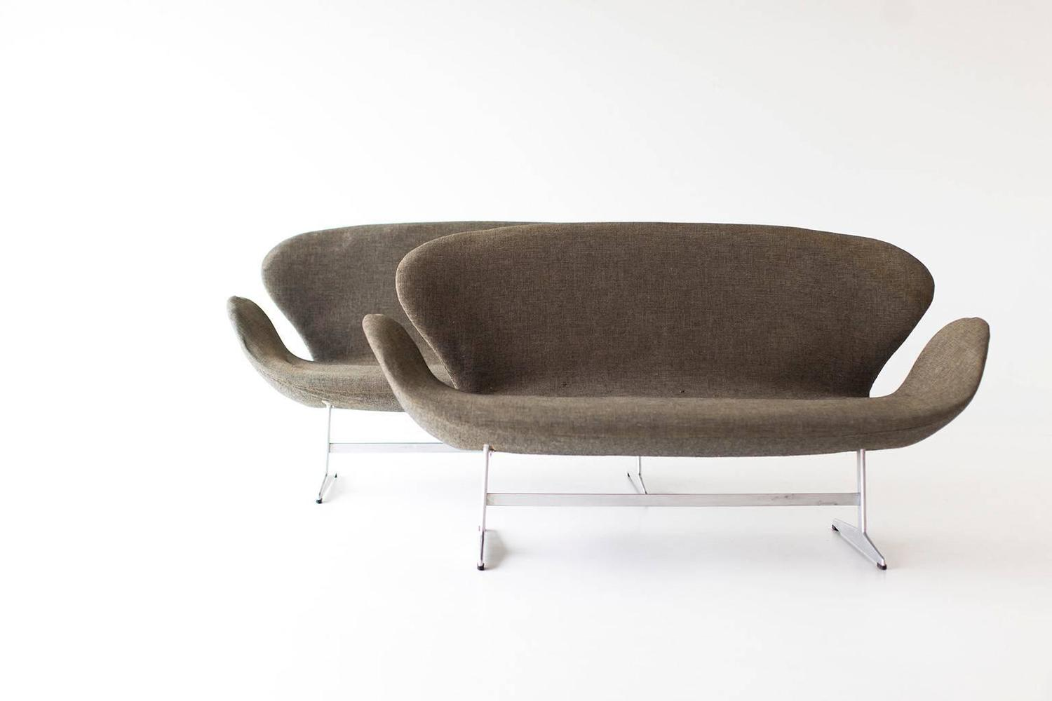 pair of arne jacobsen swan sofas for fritz hansen for sale at 1stdibs. Black Bedroom Furniture Sets. Home Design Ideas