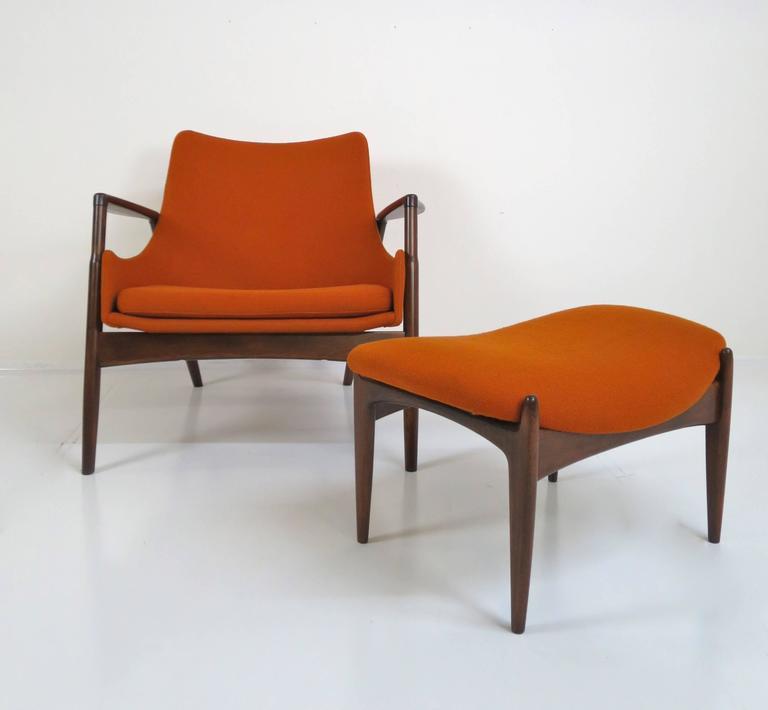 Scandinavian Modern Rare Ib Kofod-Larsen Lounge Chair and Ottoman for Selig For Sale