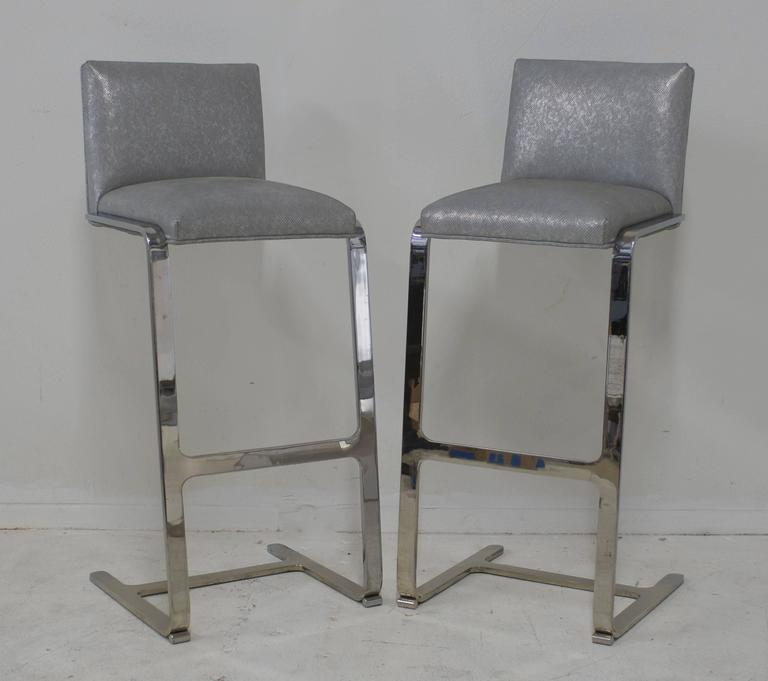 Pair of Bar Height Flat Bar Polished Steel Bar Stools 6