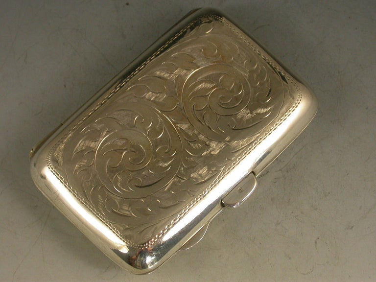 English George V Silver and Enamel Golfing Scene Cigarette Case, by Joseph Gloster, 1915 For Sale