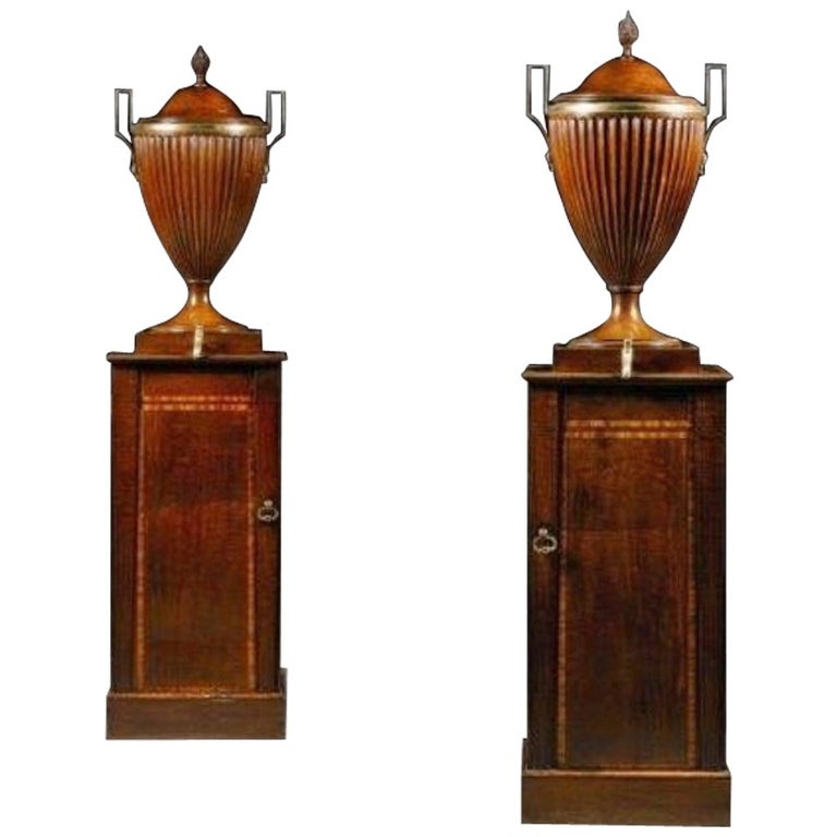 Fine Pair of George III Mahogany Wine Cisterns Attributed to Gillows For Sale