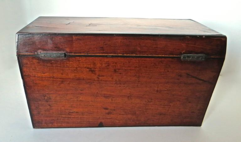 Georgian Mahogany 18th Century Tea Caddy, circa 1780 For Sale 2