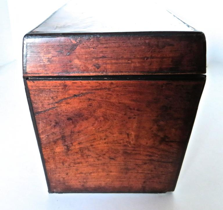 Georgian Mahogany 18th Century Tea Caddy, circa 1780 In Excellent Condition For Sale In Incline Village, NV