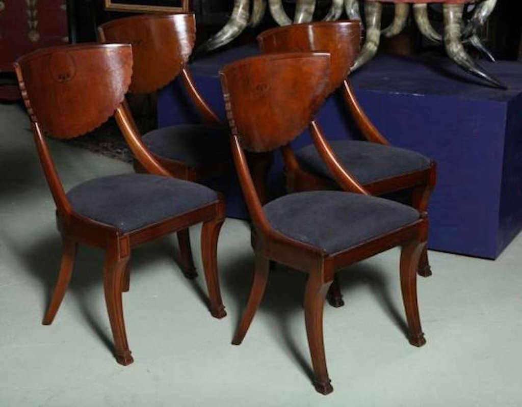 Chic Klismos Set of Mellowed Burl Wood Scallop Back Chairs  : 117220232copylz from www.1stdibs.com size 1024 x 799 jpeg 50kB