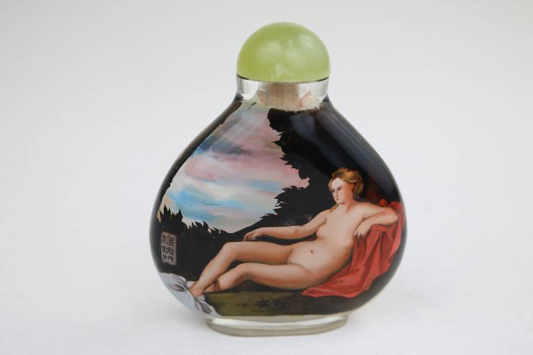 Nudes Reverse Painted Chinese Glass Snuff Bottle in Manner of Artist Titian In Excellent Condition For Sale In West Palm Beach, FL