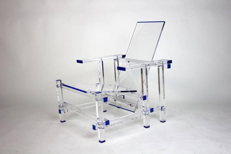 invisible lucite lounge chair inspired by gerrit rietveld in moma museum for sale at 1stdibs. Black Bedroom Furniture Sets. Home Design Ideas