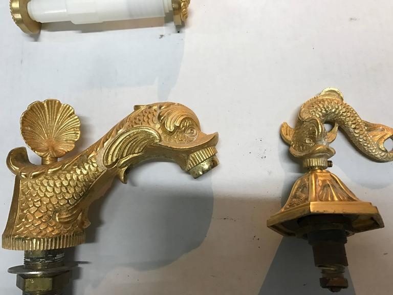 Attirant Hollywood Regency 1960s Sherle Wagner 22 Carat Gold Plate Dolphin Sink  Faucet Set For Sale