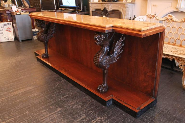 1980s Walnut Console Table with Marble Top and Antique Carved Wood Griffins In Excellent Condition For Sale In New York, NY