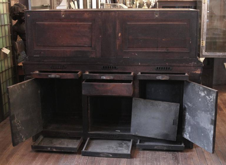 1800s Carved Oak Cigar Humidor and Mirrored Showcase by Whitcomb Cabinet Co.  For Sale 3