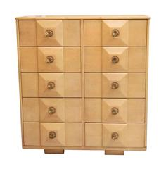 1980s Mid-Century Modern Maple Dresser with Ten Drawers and Floral Pulls