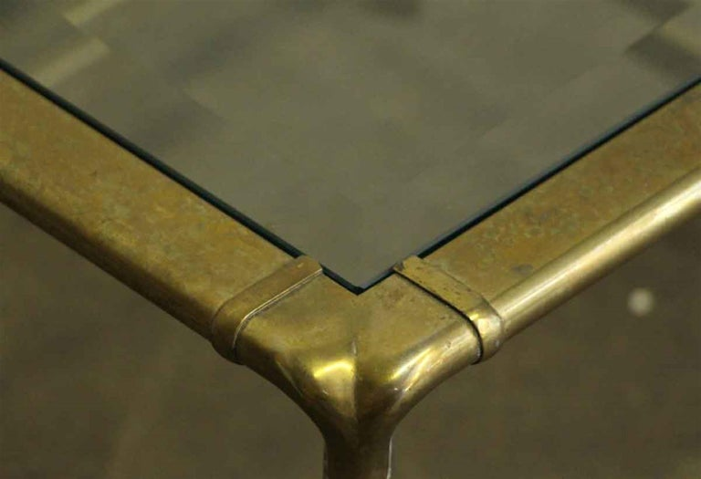 1970s Brass Mid-Century Modern End Table In Good Condition For Sale In New York, NY