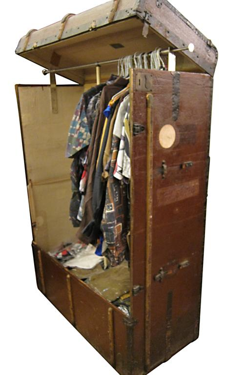 Early 20th Century Bad Photos Large German Traveling Wardrobe Suitcase with Leather Handles For Sale