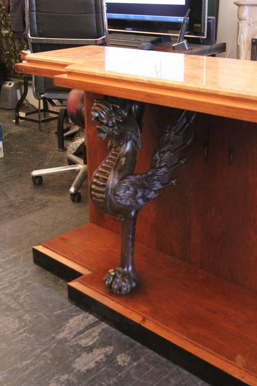 American 1980s Walnut Console Table with Marble Top and Antique Carved Wood Griffins For Sale