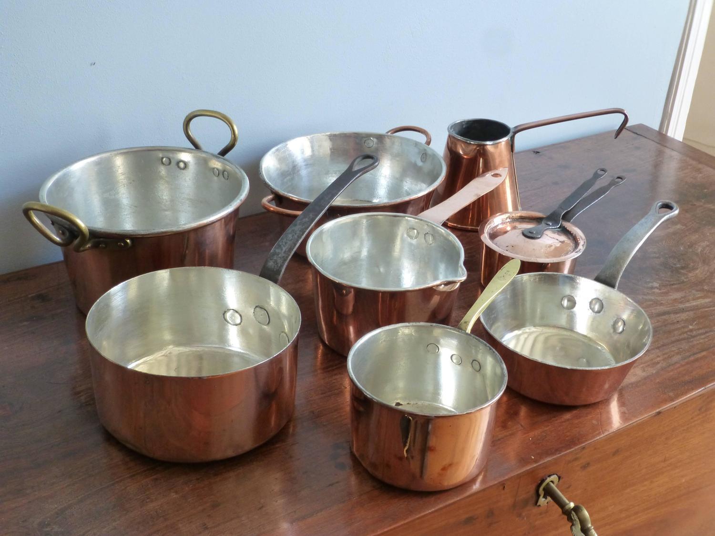 small batterie de la cuisine of re tinned copper pans and pots for sale at 1stdibs. Black Bedroom Furniture Sets. Home Design Ideas