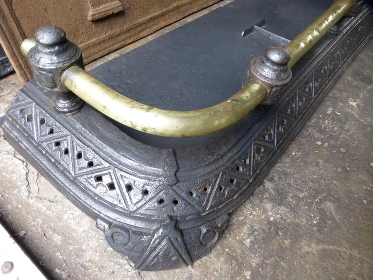 19th Century English Fireplace Fender In Good Condition For Sale In Amerongen, NL