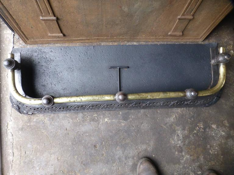 19th Century English Fireplace Fender For Sale 5