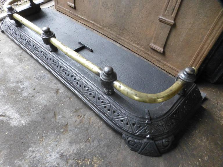 19th Century English Fireplace Fender For Sale 4