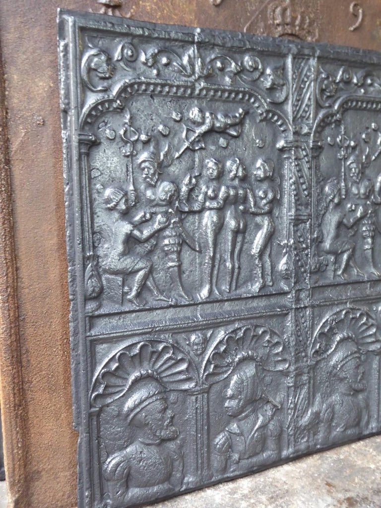 Exceptional 'Judgement of Paris' Fireback, 16th Century For Sale 12