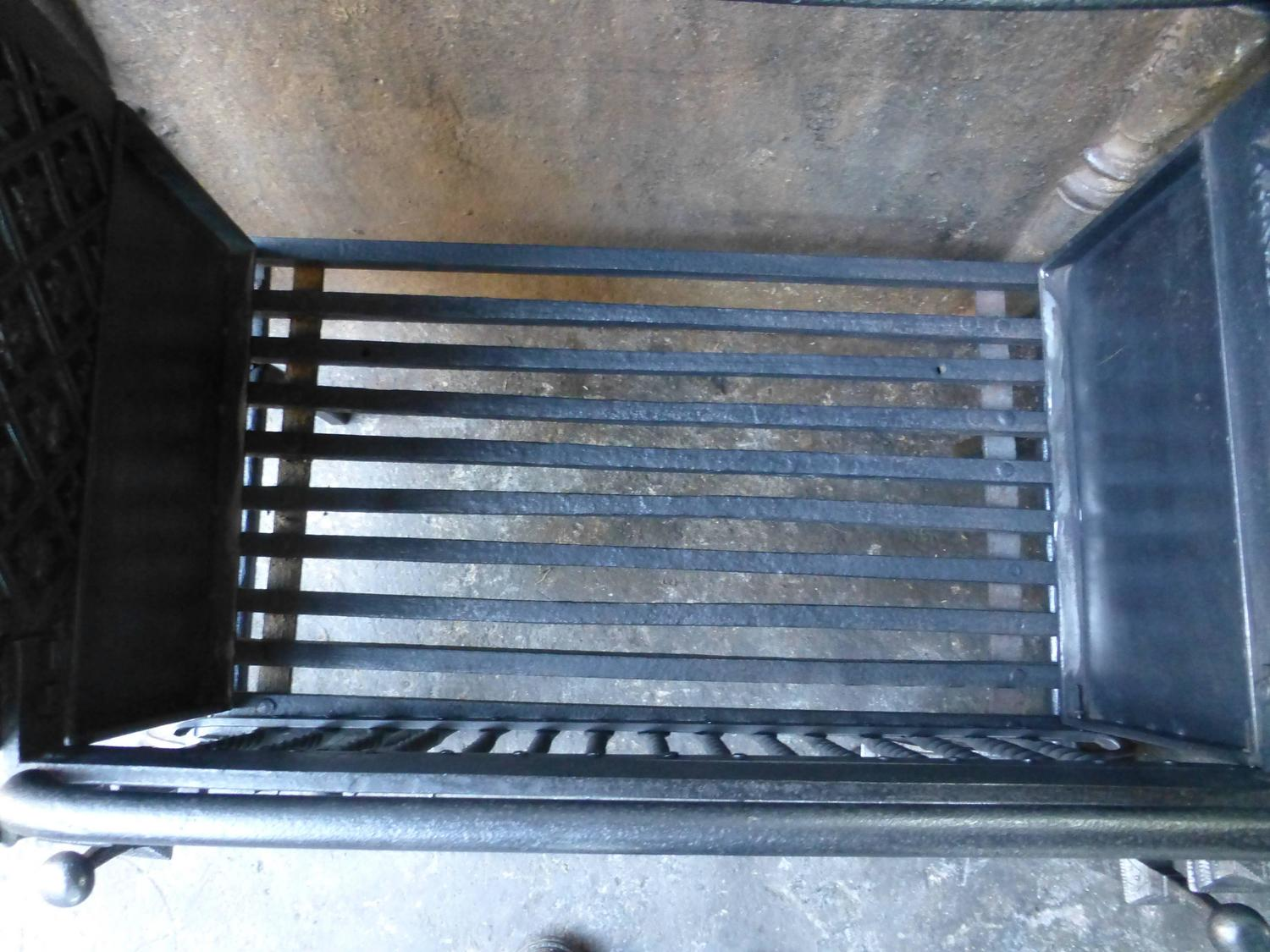 Magnificent Large English Fireplace Grate Fire Grate For Sale At 1stdibs