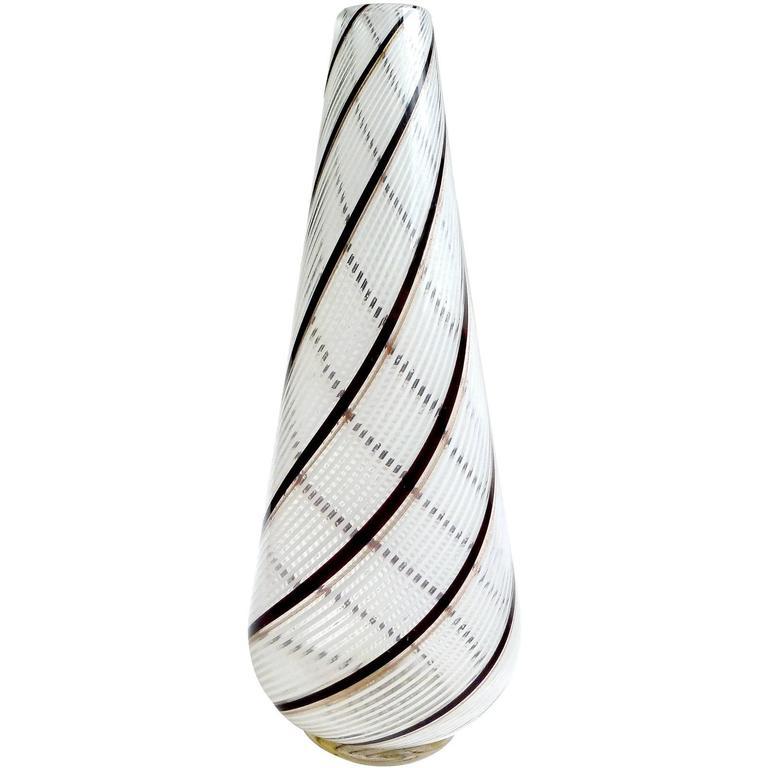 Dino Martens Aureliano Toso Murano Black White Italian Art Glass Flower Vase