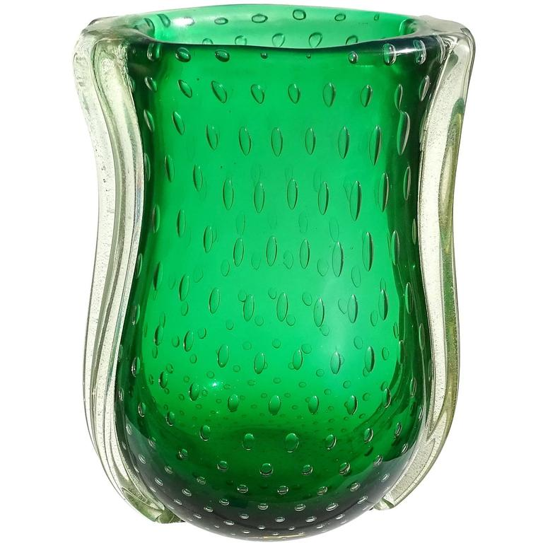 barovier toso murano green iridescent gold flecks italian art glass vase for sale at 1stdibs. Black Bedroom Furniture Sets. Home Design Ideas