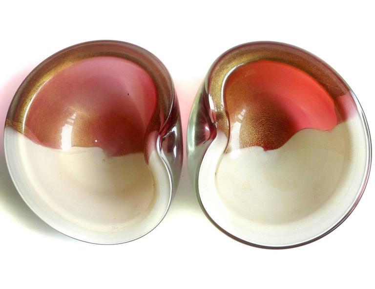 Alfredo Barbini Murano Bi Color Gold Flecks Italian Art Glass Decorative Bowls For Sale 3